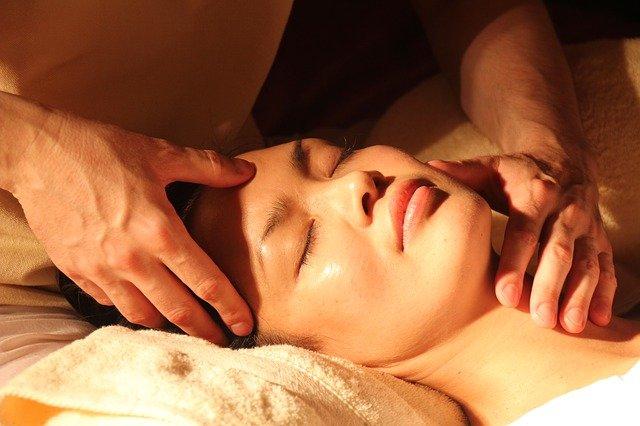Les différentes techniques des massages du visage