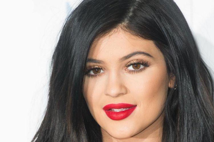 Reproduire le maquillage de Kylie Jenner