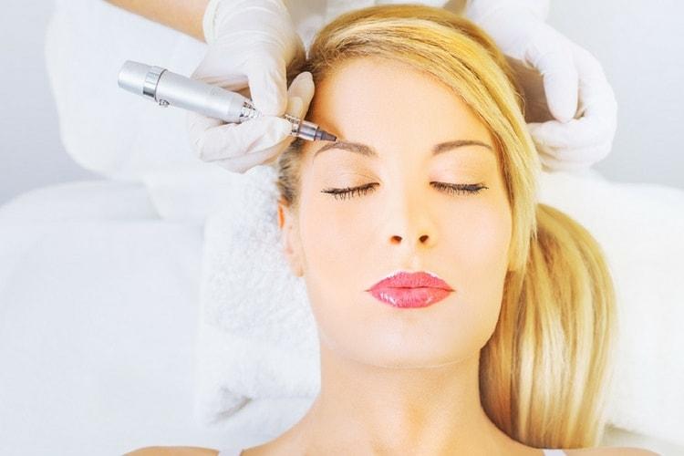 Le maquillage permanent : bonne ou mauvaise idée ?