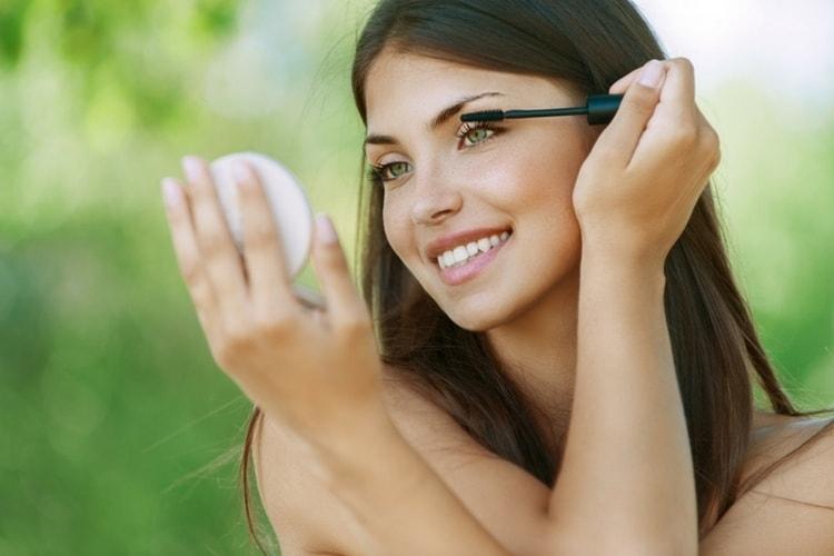 maquillage qui commence par a