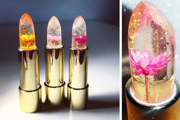 Craquerez-vous pour le rouge à lèvres avec de vraies fleurs à l'intérieur ?