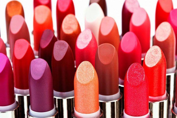 Un rouge à lèvres longue tenue qui dure toute la journée