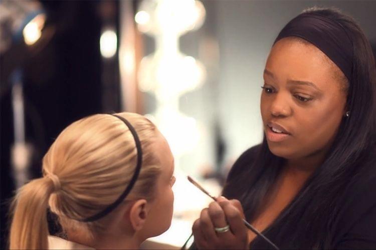 Pat Mc Grath, la makeup artist de tous les backstages des défilés