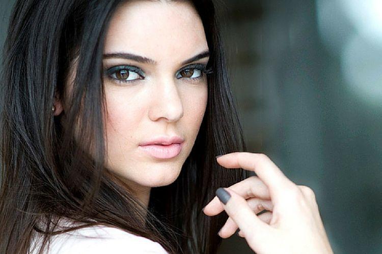 La palette de maquillage de Kendall Jenner pour Estée Lauder