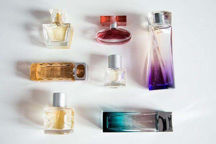 les astuces pour acheter un parfum moins cher. Black Bedroom Furniture Sets. Home Design Ideas