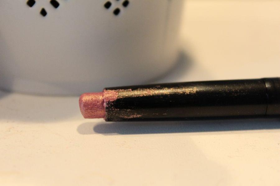 Swatch Long Lasting Stick Eyeshadow, Kiko
