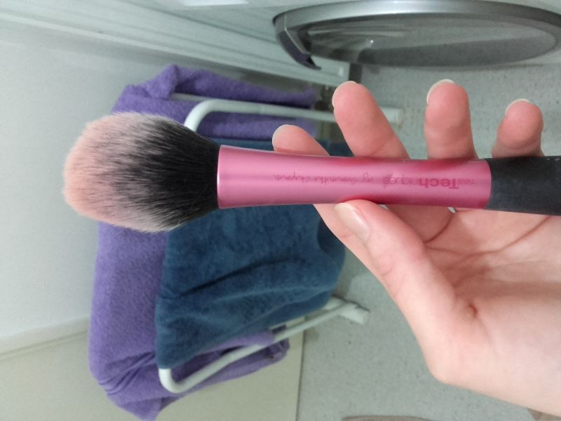 Swatch Blush Brush - Pinceau Blush, Real Techniques