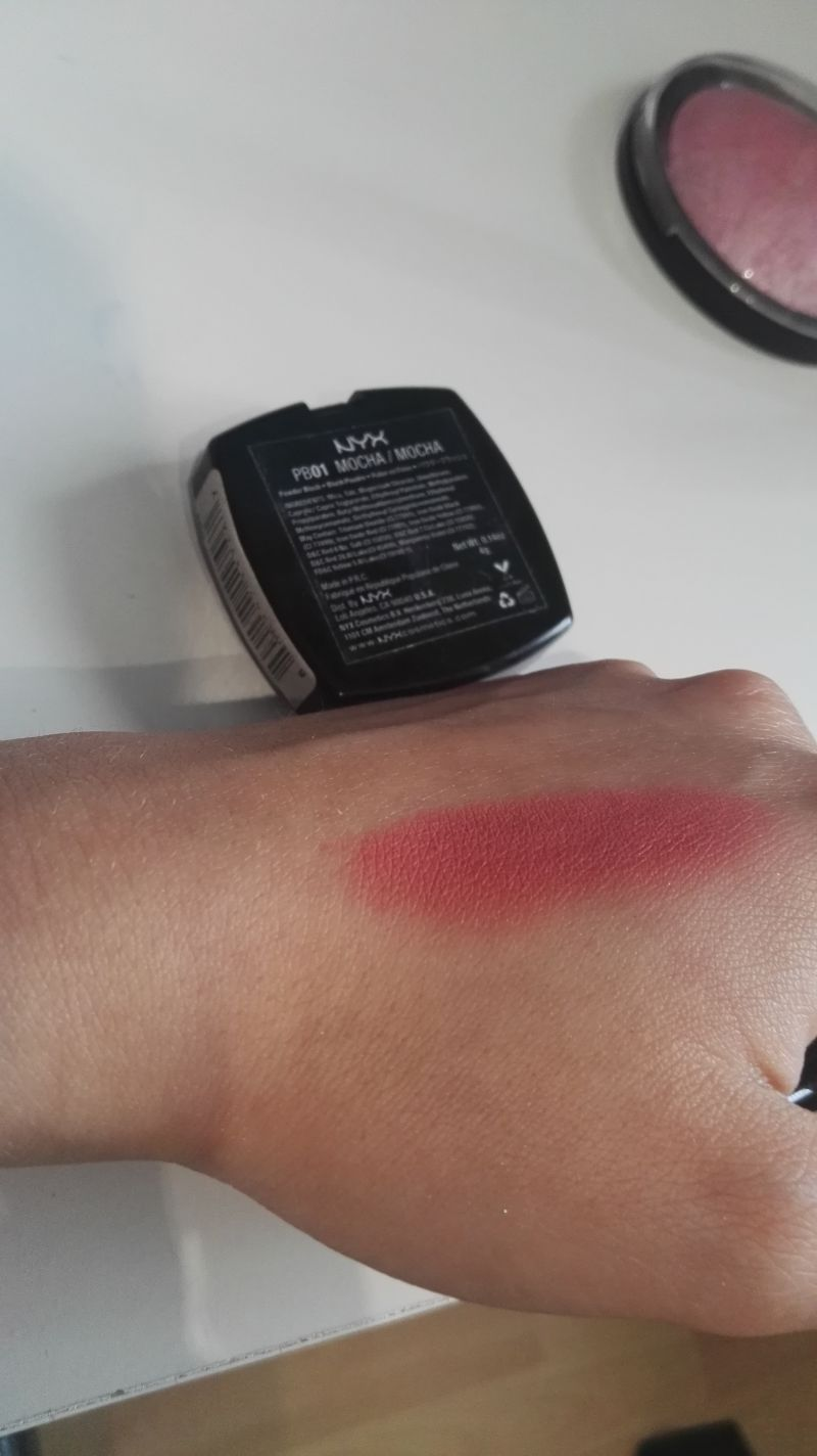 Swatch Powder Blush, NYX