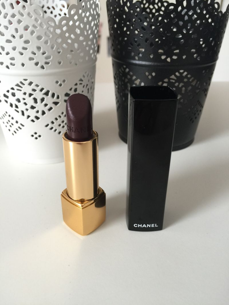 Swatch Rouge Allure - Le Rouge Intense, Chanel