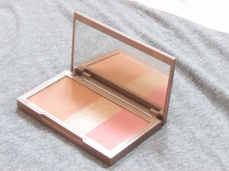 Swatch Naked Flushed - Palette Teint, Urban Decay