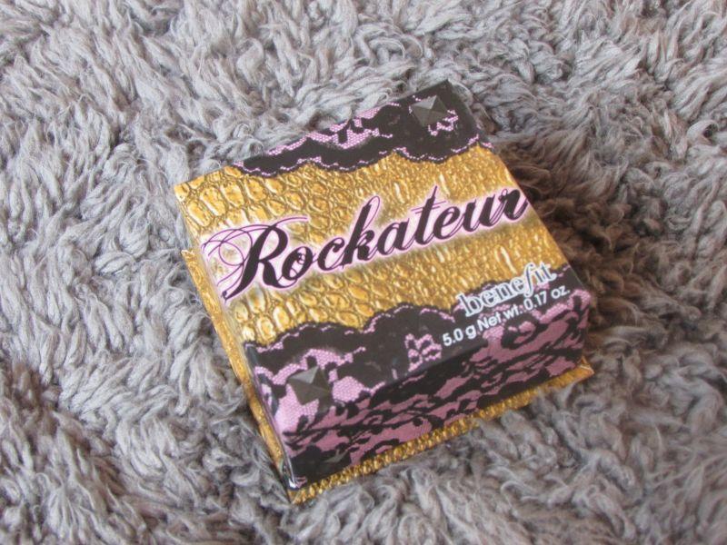 Swatch Rockateur Blush poudre joues, Benefit Cosmetics