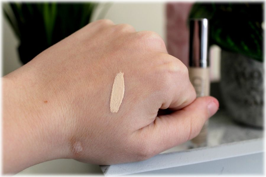Swatch Anticernes Naked Skin, Urban Decay