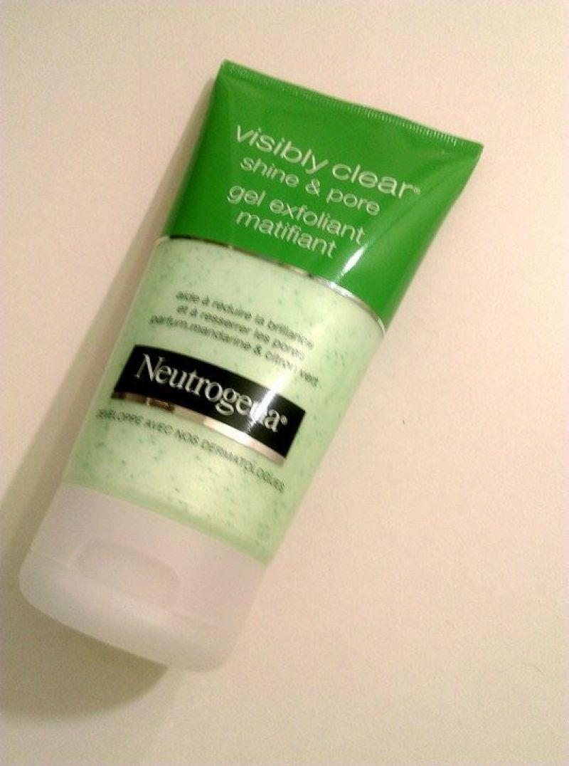 Swatch Gel Exfoliant Matifiant Visibly Clear Shine & Pore, Neutrogena