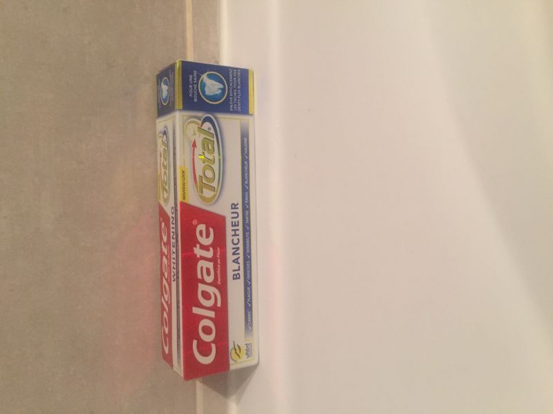 Swatch Dentifrice Colgate Blancheur Total, Colgate
