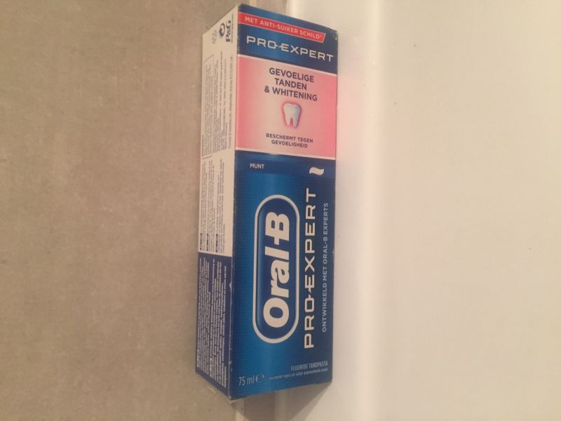 Swatch Dentifrice Oral-B Professional Dents Sensibles, Oral-B