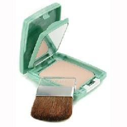 Almost Powder Makeup SPF 15 - Teint Poudre Naturel SPF 15, Clinique : Amorina aime !