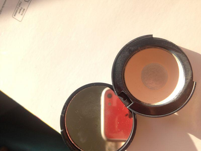 Swatch Full Coverage Concealer, Kiko