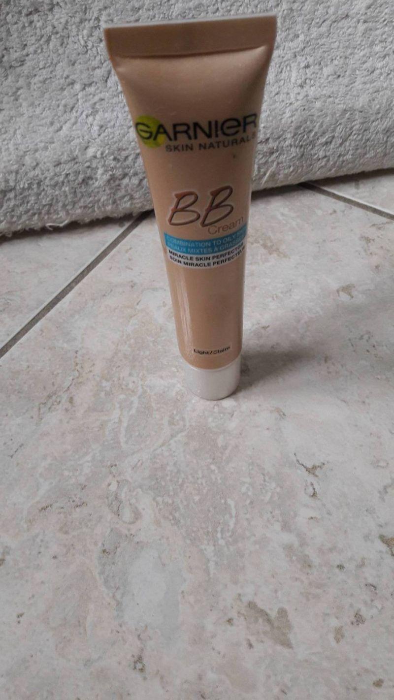 Swatch BB Crème Soin Miracle Perfecteur Peaux mixtes à grasses, Garnier
