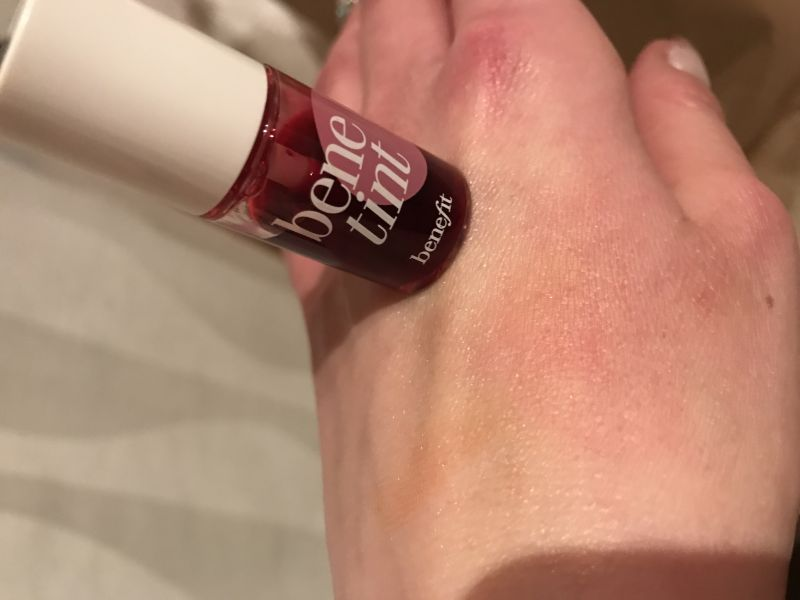 Swatch Benetint Blush Liquide Joues et Lèvres, Benefit Cosmetics