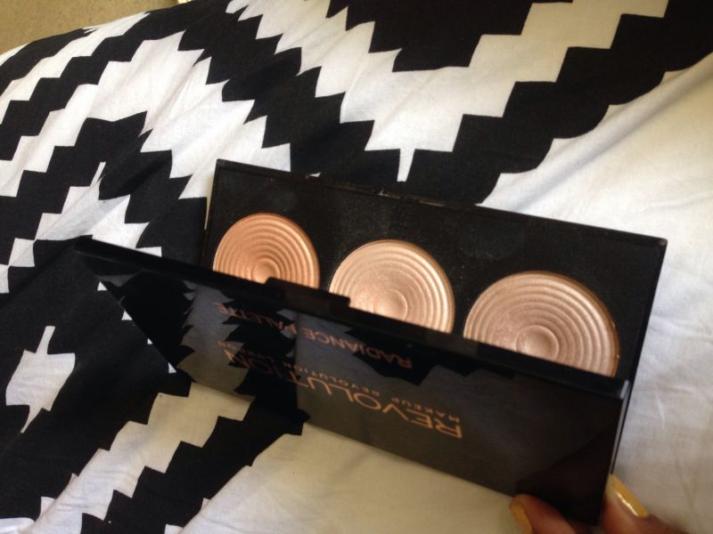 Swatch Radiance palette, Makeup Revolution