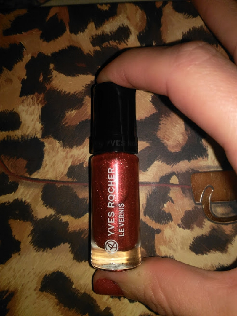 Swatch Rouge scintillant, Yves Rocher