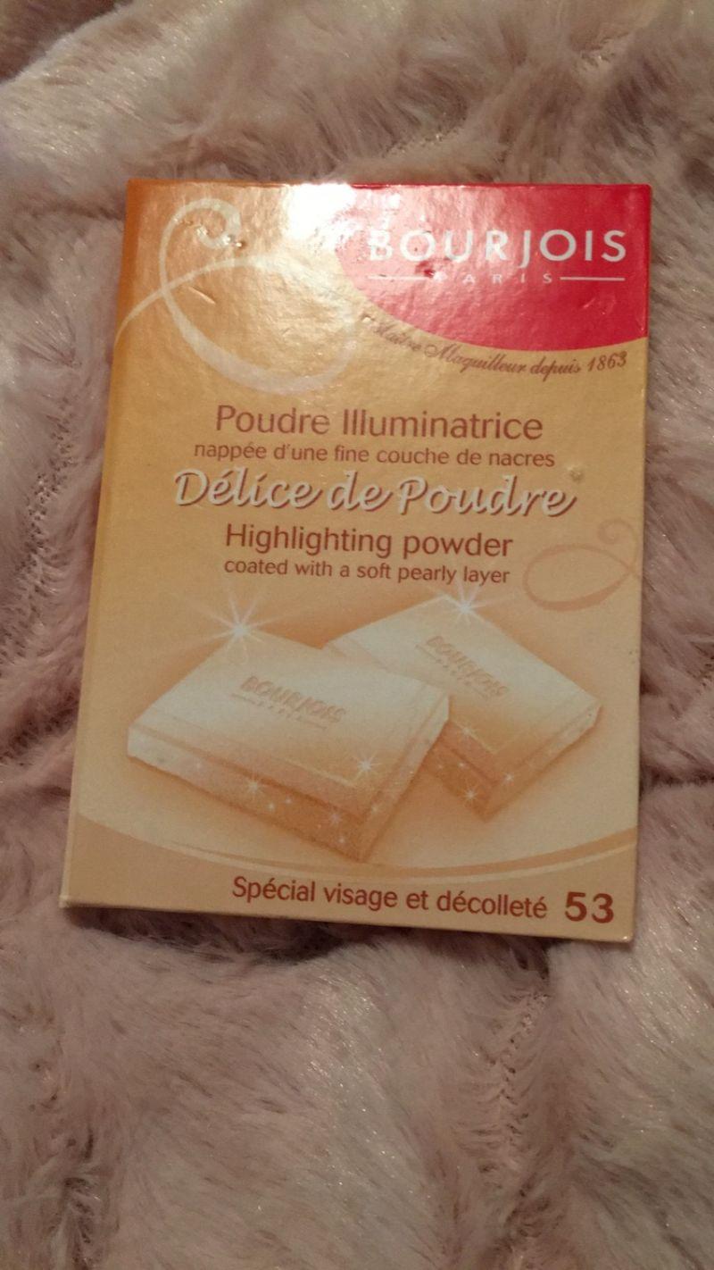 Swatch Poudre Illuminatrice Délices de Poudre, Bourjois