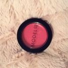 Crème rouge, Modelco