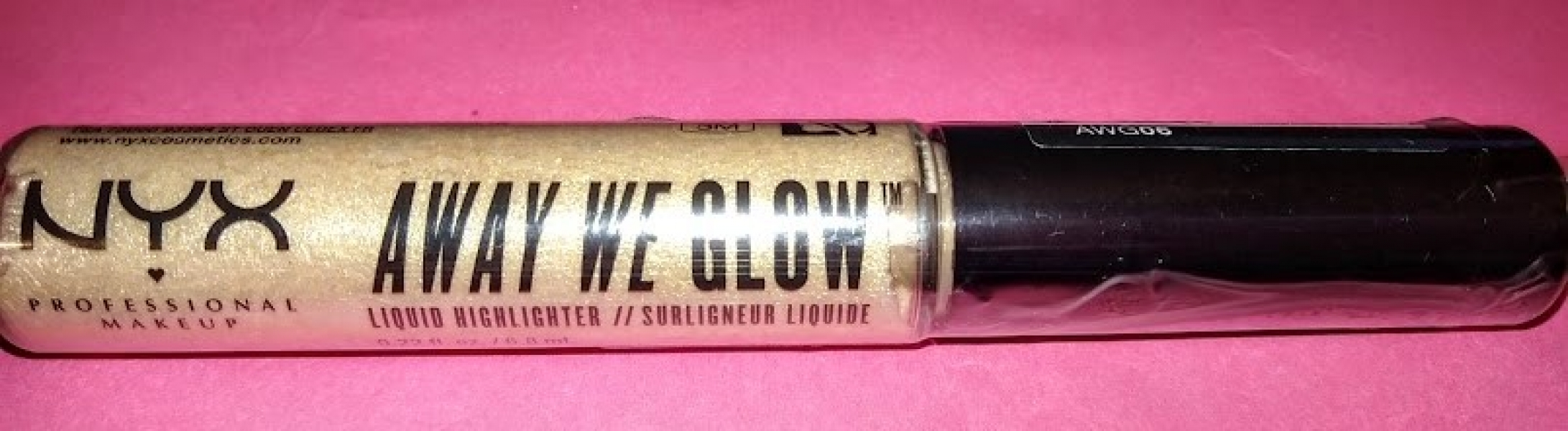 Swatch Away We Glow - Illuminateur de Teint Liquide, NYX