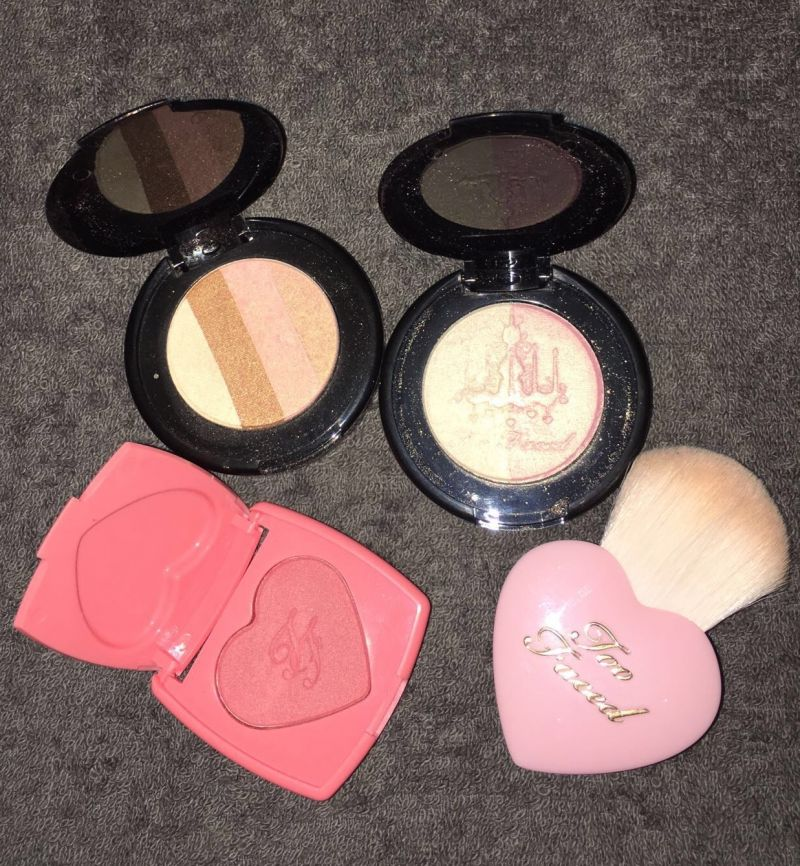 Swatch Let It Glow - Coffret de maquillage, Too Faced