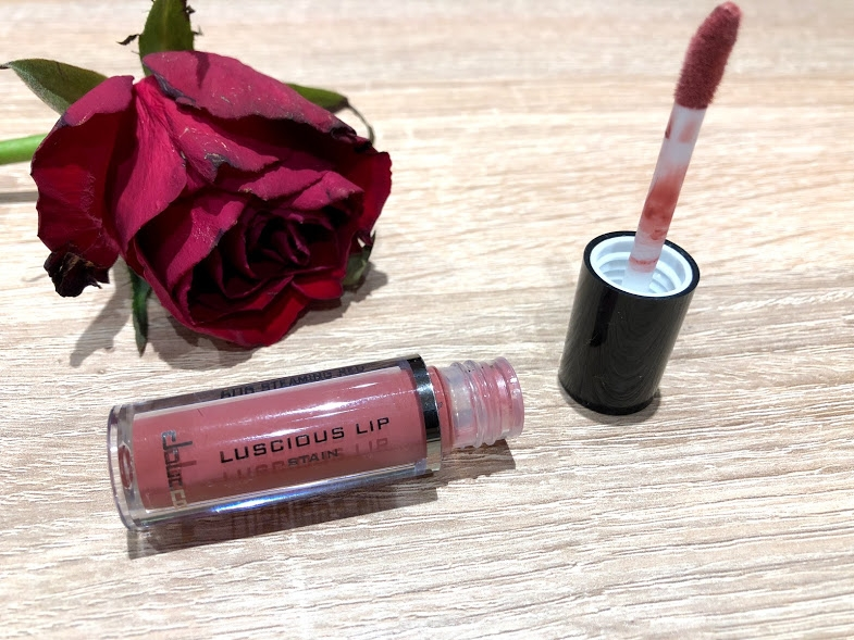 Swatch Luscious Lip Stain, Doucce