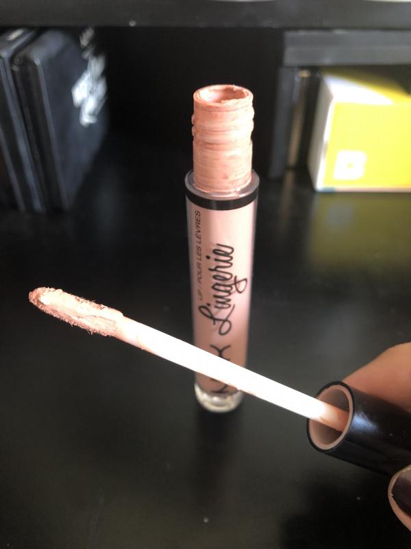 Swatch Lip Lingerie, NYX