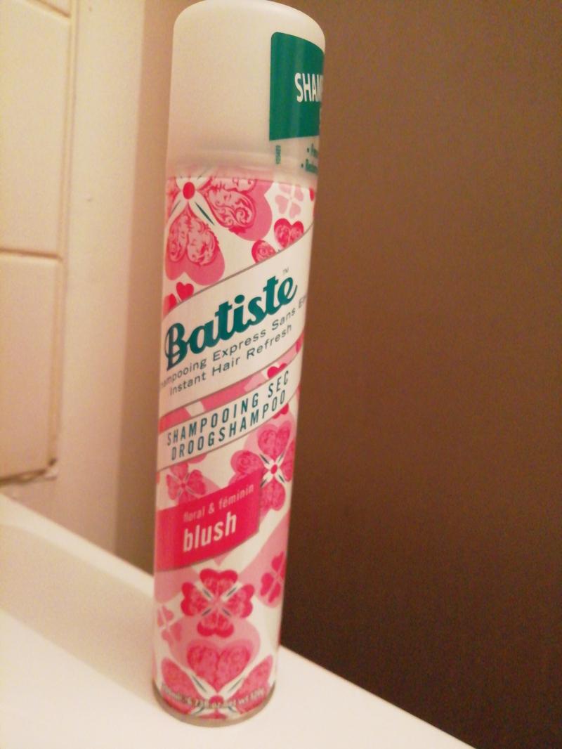 Swatch Shampoing sec Blush, Batiste