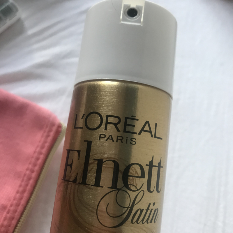 Swatch Laque Elnett Satin Fixation Forte, L'Oréal Paris