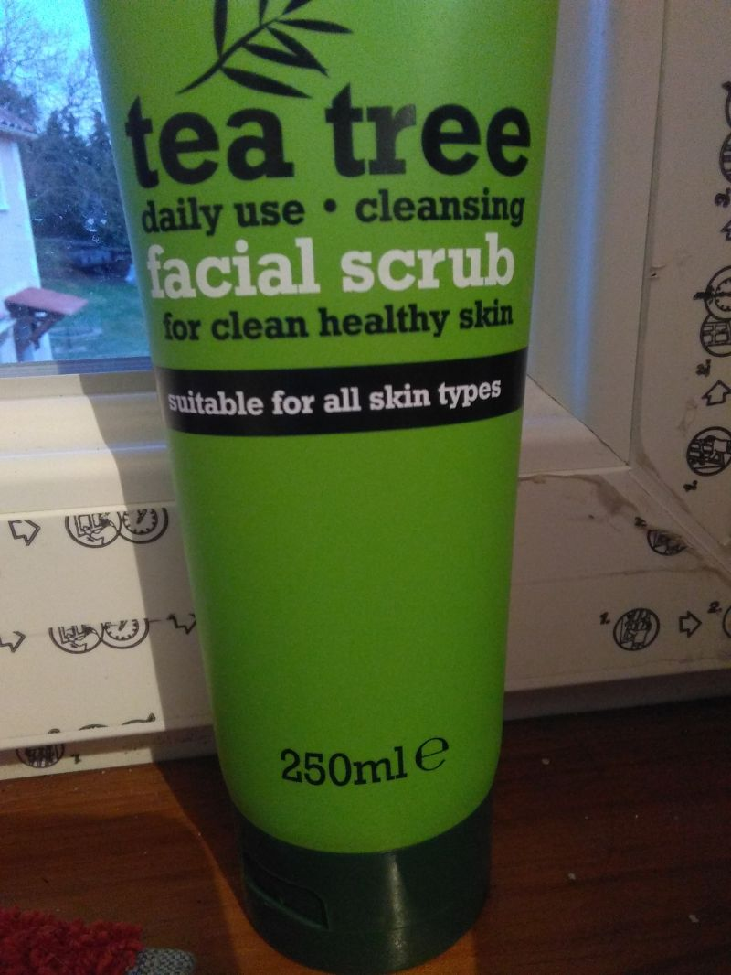 Swatch Facial scrub, Tea tree