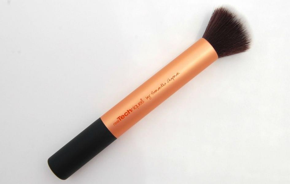 Buffing brush, Real Techniques : Juliettecrm aime !