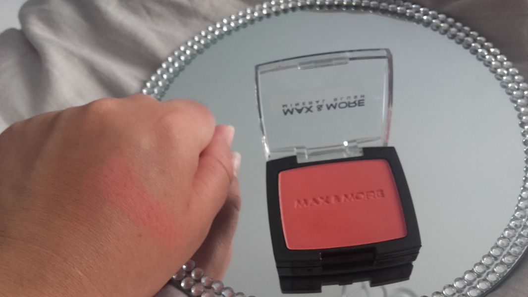 Swatch Blush rose, Max & More