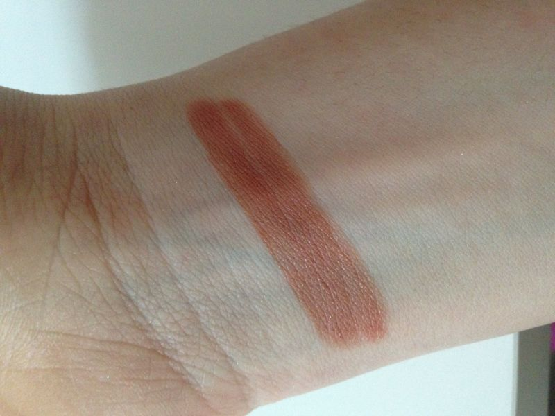 Swatch Melted - Rouge à lèvres liquéfié longue tenue, Too Faced