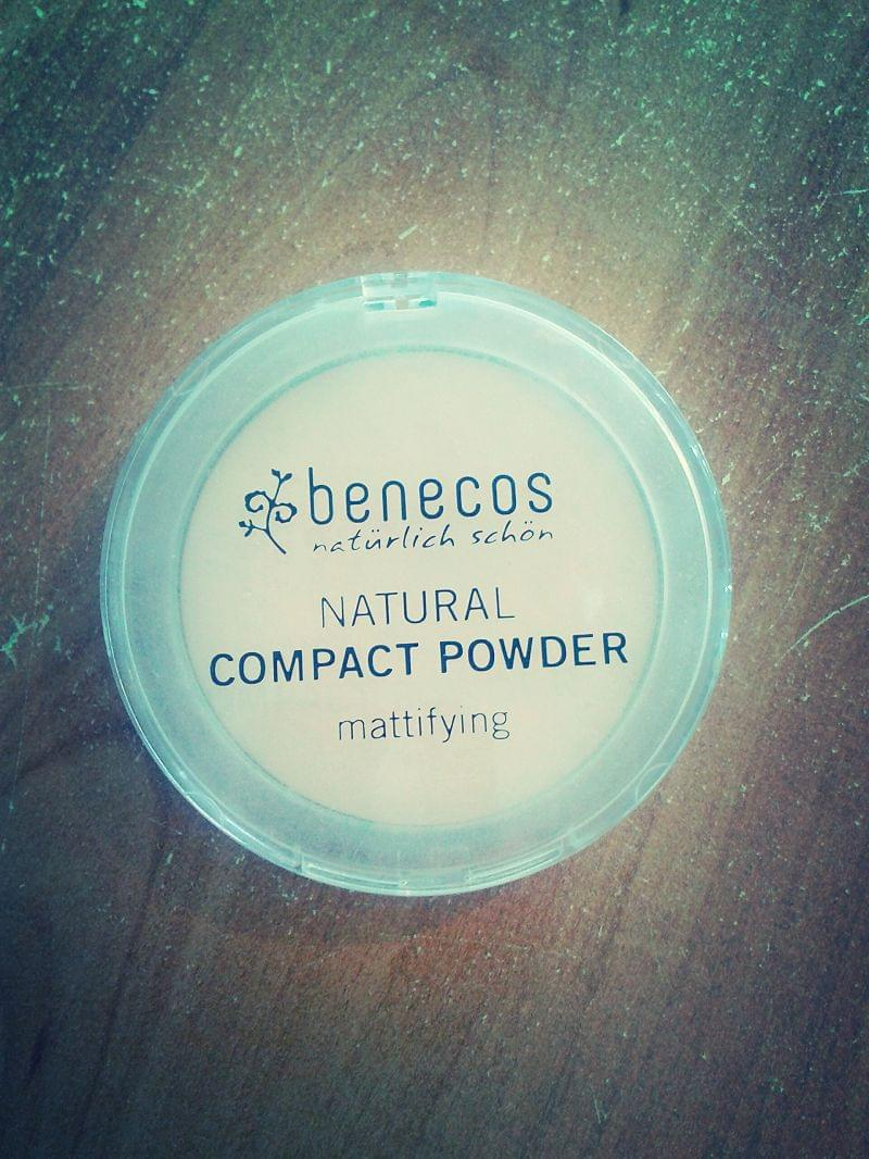 Swatch Natural Compact Powder, Benecos