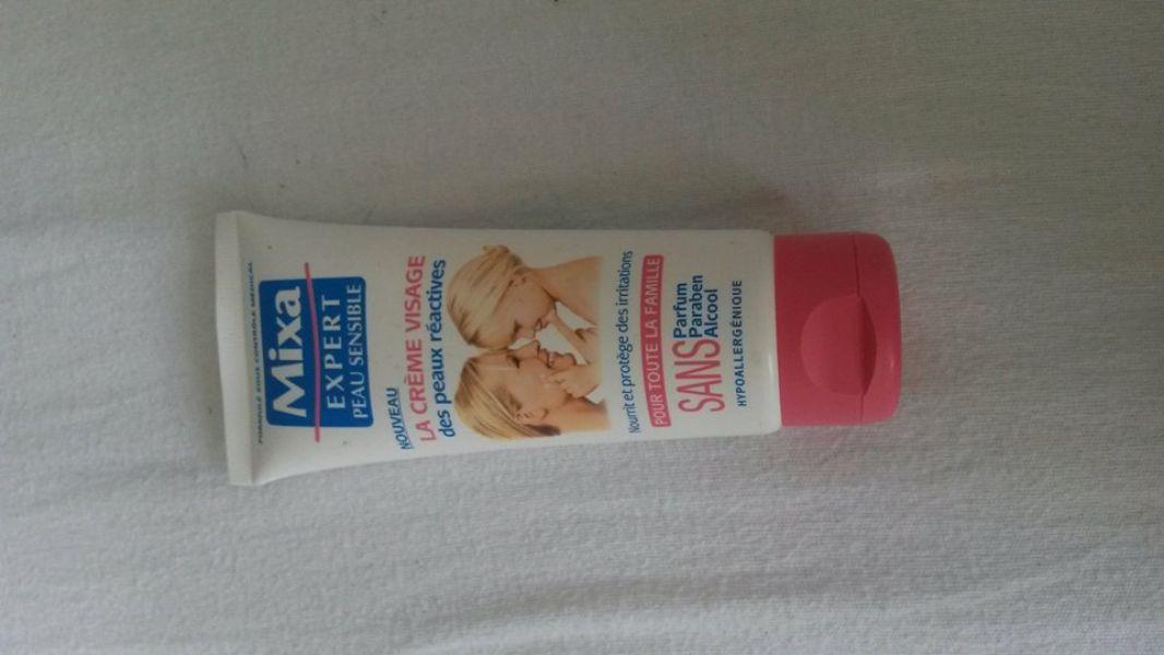 Swatch La crème visage des peaux réactives, Mixa