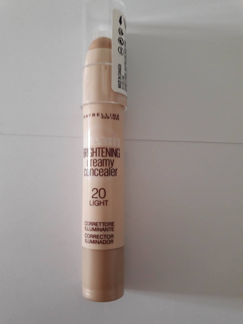 Swatch Brightening Creamy Concealer, Maybelline New York