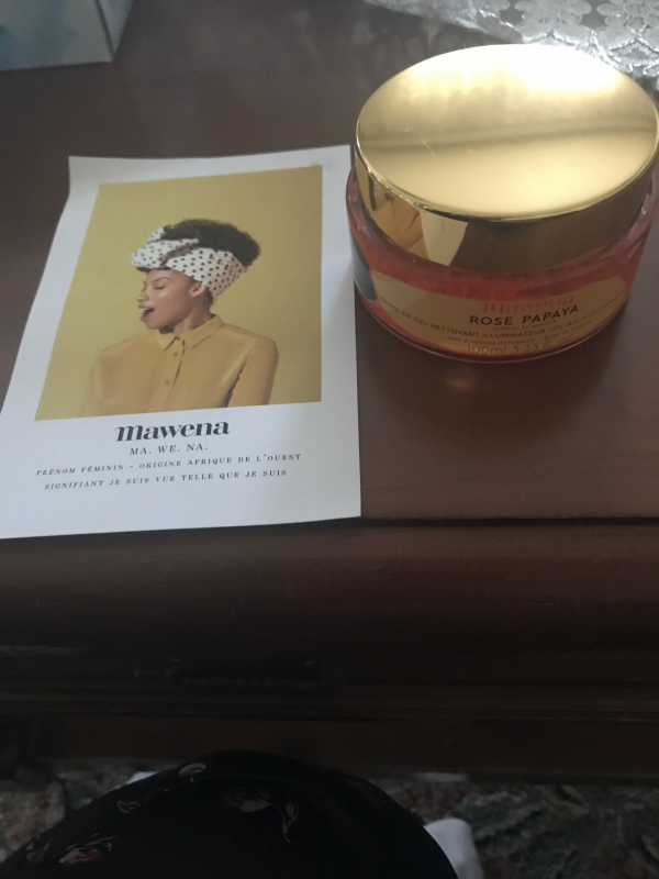 Swatch Gel Nettoyant Illuminateur Rose Papaya, Mawena