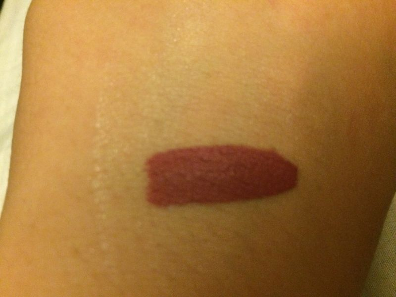 Swatch Longstay Liquid Matte Lipstick, Golden Rose