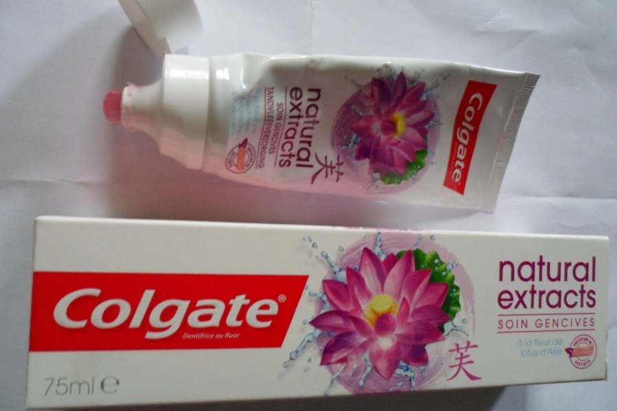 Swatch Dentifrice natural extrats soins gencives, Colgate