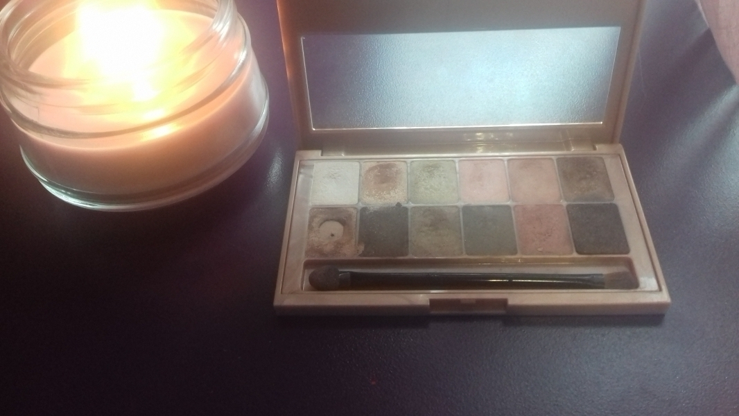 Swatch Palette Yeux The Blushed Nudes, Gemey-Maybelline