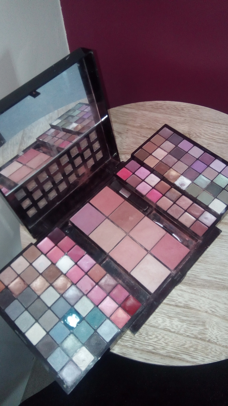 Swatch Coffret maquillage, Peggy Sage