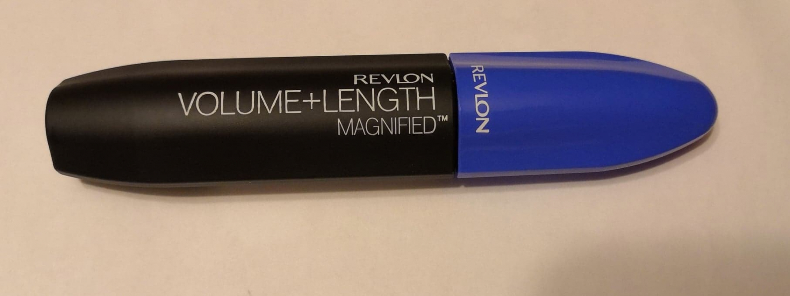 Swatch Volume  Length Magnified, Revlon