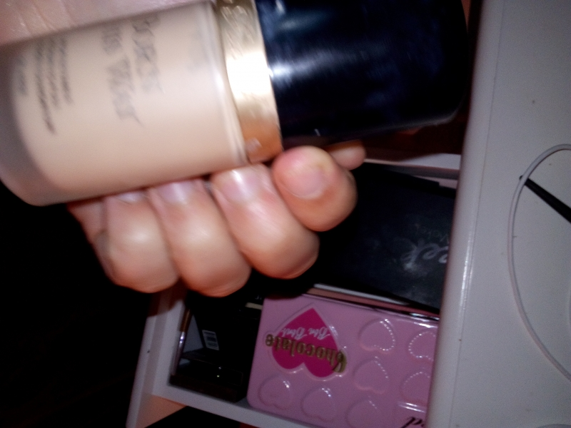 Swatch Born This Way, Too Faced