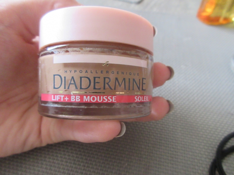Swatch Diadermine, lift   bb mousse, Diadermine