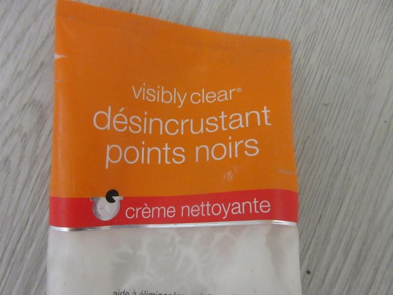 Swatch Crème Désincrustante nettoyante points noirs, Neutrogena