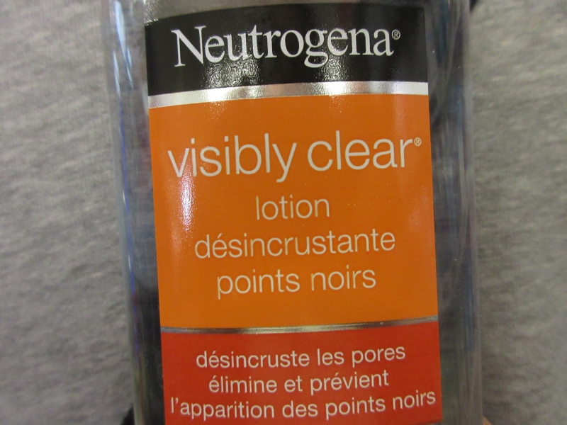 Swatch Visibily clear / lotion désincrustante points noirs, Neutrogena